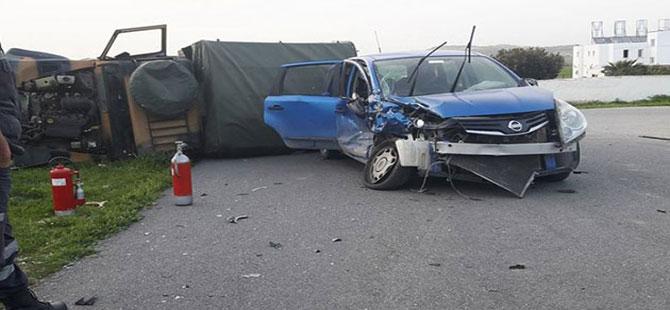 KKTC'de otomobil askeri araca çarptı: 7'si asker 10 yaralı