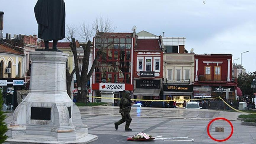 Atatürk Anıtı'nın önünde şüpheli paket!