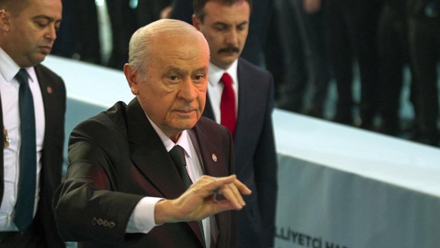 MHP'de Bahçeli yeniden genel başkan seçildi
