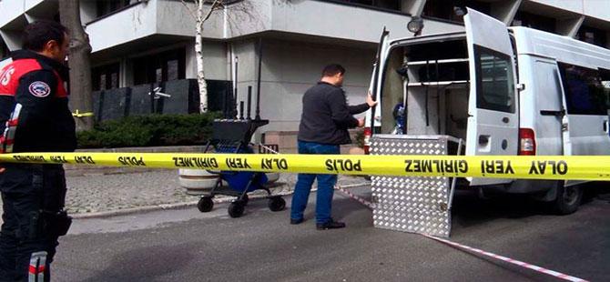Polisten şüpheli çanta patlatılırken 'ınstagram fotoğrafı çekmiyoruz' uyarısı