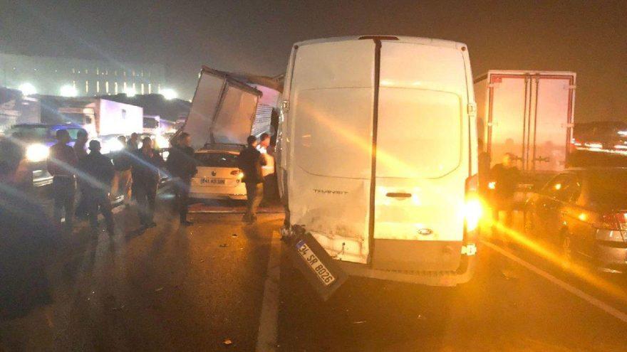 TEM'de zincirleme kaza: Ankara yönü kapandı
