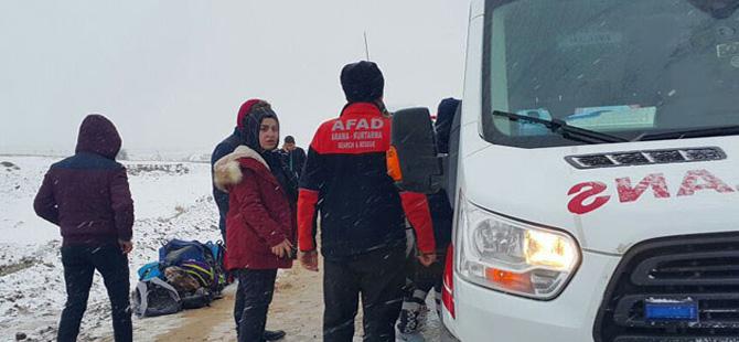 Aksaray'da öğrenci servisi devrildi: 18 yaralı