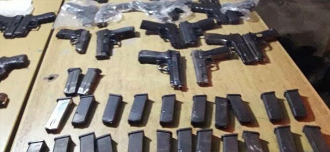 Suriye'den getirilen tabancalar yakalandı