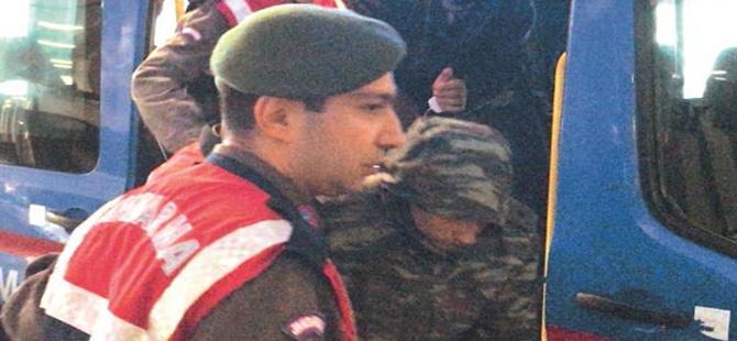Yunan askerlerin tutukluğuna itiraz edildi