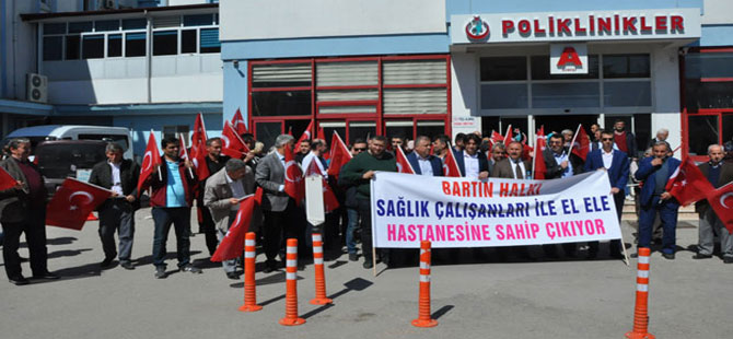 Bartın'da başhekim protesto edildi
