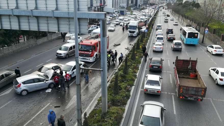 Başakşehir'de tanker kaydı; cadde savaş alanına döndü