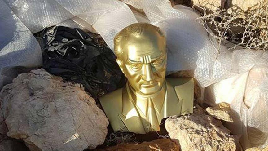 Kırşehir'de büyük ayıp! Atatürk büstü boş araziye atıldı
