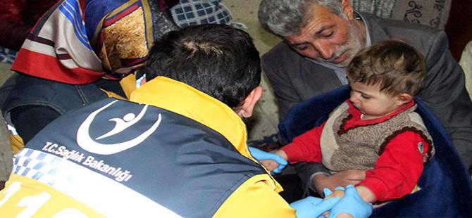 Kaybolan Ege, 12 saat sonra arazide uyurken bulundu