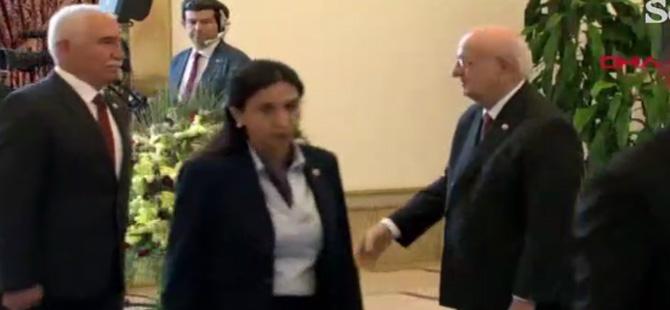 CHP'li Yedekci, Meclis Başkanı Kahraman'la tokalaşmadı