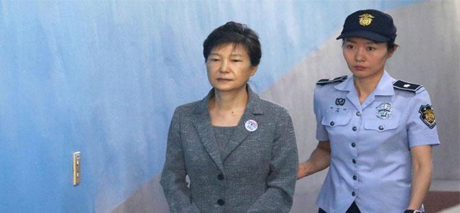 Güney Kore'nin eski Cumhurbaşkanı'na 24 yıl hapis