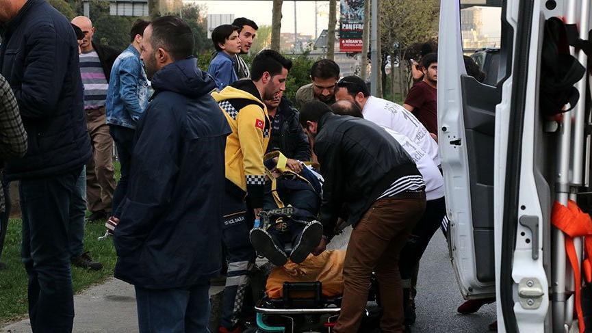 Mesaiye giden polisler kaza yaptı: 2 polis yaralı