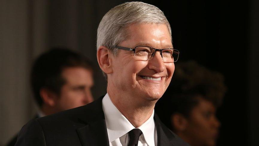 Apple'ın patronu Tim Cook'tan 23 Nisan mesajı
