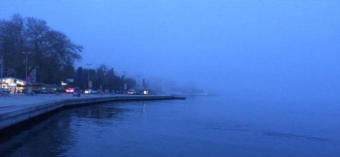 Boğaz'da gemi trafiğine sis engeli