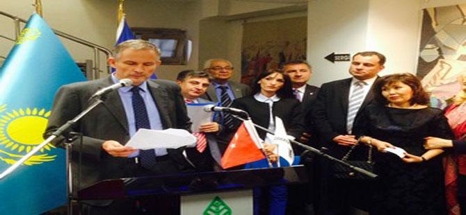 Taşdelen Fransız Büyükelçi'yle sergi açtı