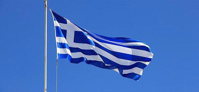 Bayrak krizinde Yunanistan'dan ilk açıklama geldi: Araştırıyoruz
