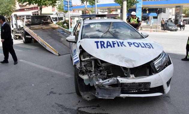 Bakan Veysel Eroğlu'nun konvoyunda kaza
