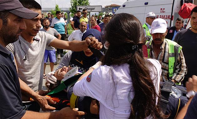 Edremit'te yaralı taşıyan ambulans kaza yaptı: 4 yaralı