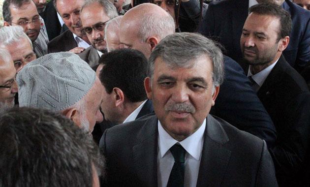 Abdullah Gül'e cenazede tepki