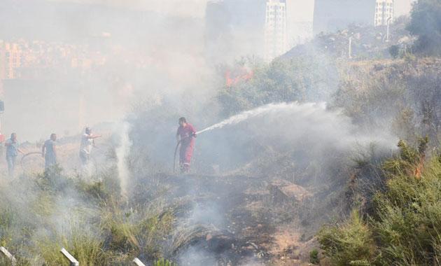 Karşıyaka'da çıkan yangın korkuttu