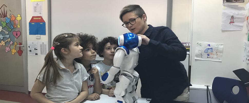 'Robot öğretmenler' gelecek yıl Türkiye'de eğitime başlıyor