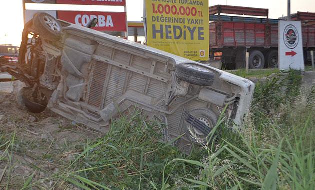 Manisa'da tarım işçilerini taşıyan minibüs devrildi: 12 yaralı