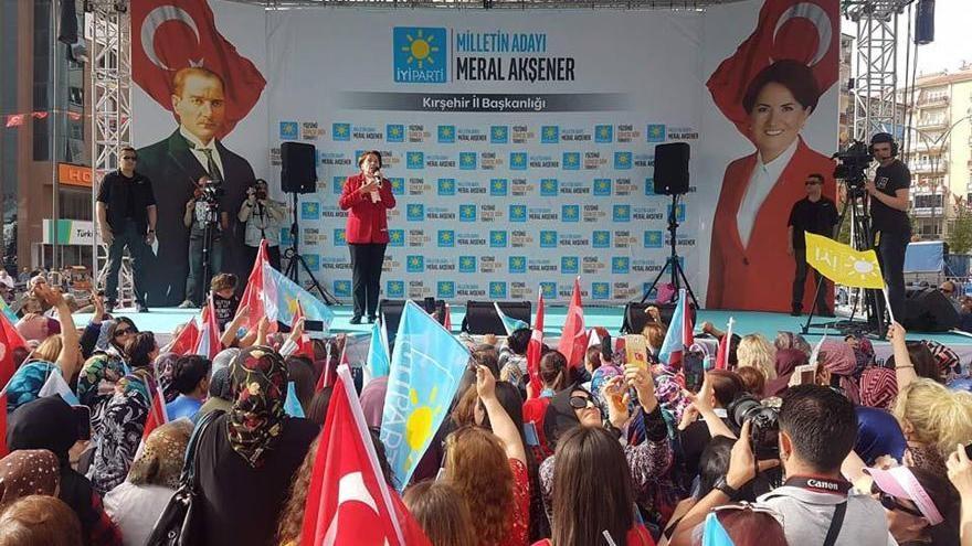 Akşener'in mitingine bağlanan TRT, Erdoğan eleştirilince yayını kesti!