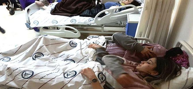 Öğretmenler ve ailelerini taşıyan midibüs devrildi: 4 ölü, 22 yaralı