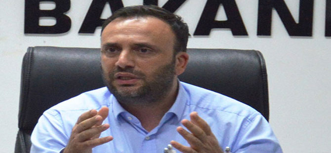 Çalışma Bakanı 'geç kaldığı' iddiası ile uçağa alınmadı