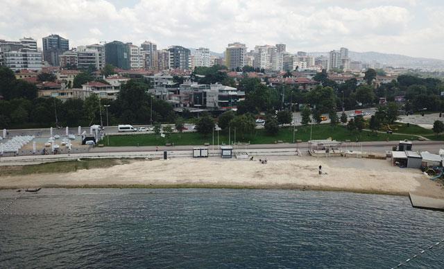 İstanbul'un plajları sezonun ilk günü boş kaldı