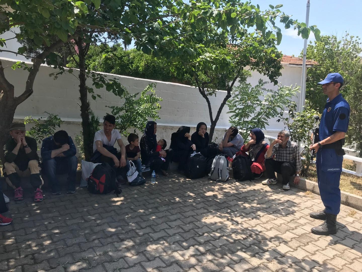 Çanakkale'de 34 Afgan kaçak yakalandı