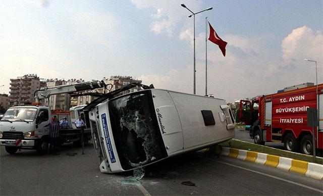 Aydın'da otobüsler çarpıştı: 12 yaralı