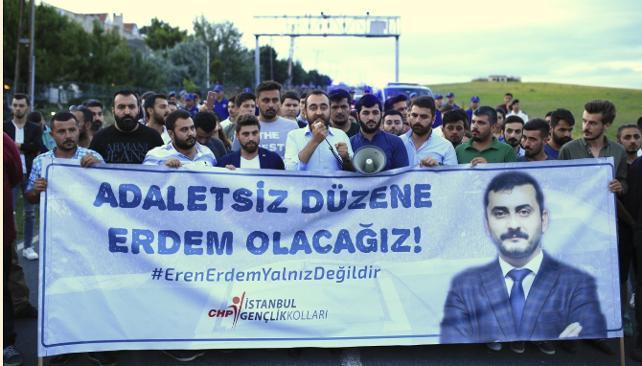 Eren Erdem için Silivri'ye giden CHP'li gençlere jandarma engeli