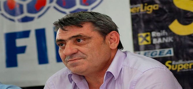 Fenerbahçe'nin eski yıldızı Fadil Vokrri hayatını kaybetti
