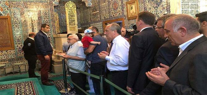 Muharrem İnce Eyüp Sultan'ı ziyaret etti!