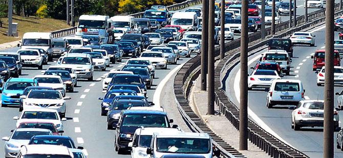 Kısıtlamanın ardından İstanbul'da trafik yoğunluğu