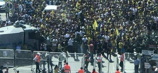 Kadıköy'de mahşeri kalabalık!