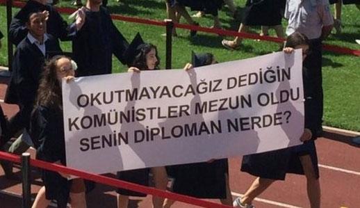 Boğaziçi meznuiyet töreninde rektöre protesto!
