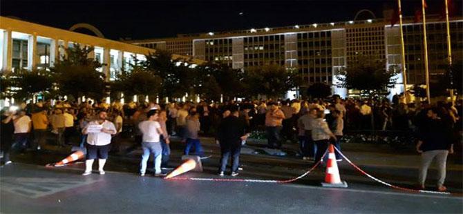 Servisçilerden İBB önünde plaka eylemi