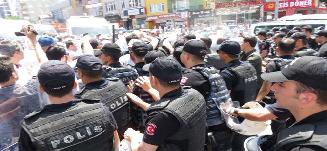 Servisçilerin eylemine biber gazlı müdahale