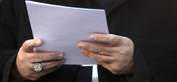 Eski Vatikan diplomatı çocuk pornografisinden suçlu bulundu