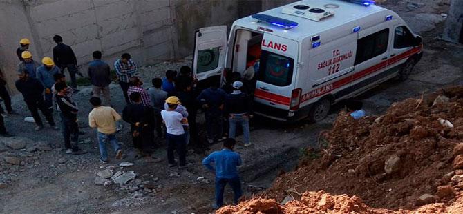 Yüksekova'da inşaatta iskele çöktü: 2 ölü, 1 yaralı