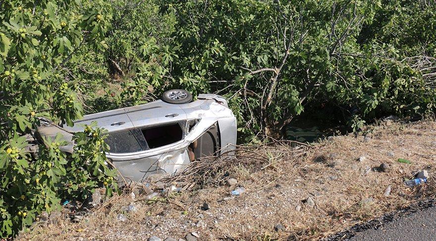 Otomobil ile motosiklet çarpıştı: 3 ölü, 1 yaralı