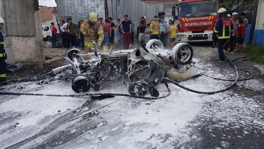 LPG'li otomobil bomba gibi patladı!
