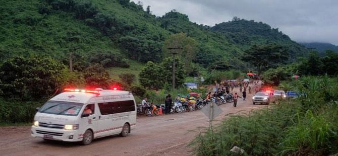 Tayland'da mağarada mahsur 5. çocuk da 'kurtarıldı'