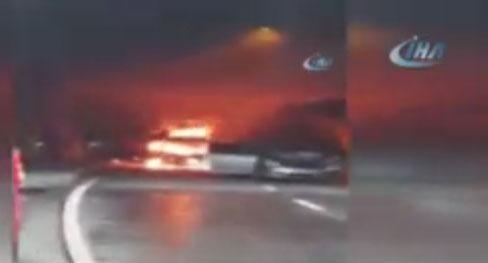 Tünelde otomobil alev aldı, zincirleme kaza yaşandı