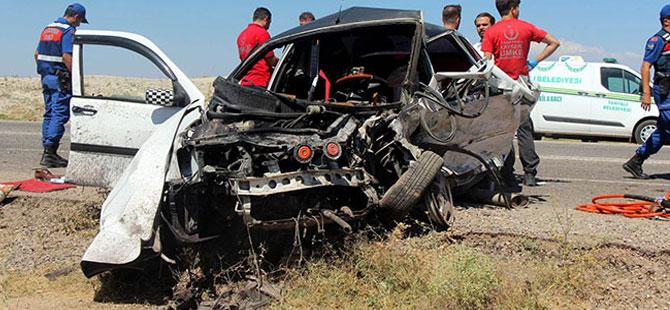 Kayseri'de feci kaza: 2 ölü, 9 yaralı