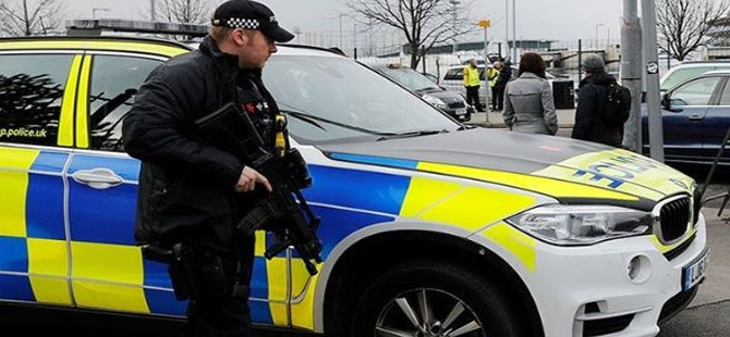 İngiltere'de karnavala saldırı: 10 yaralı