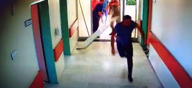 Yoğun bakım kapısını kırıp doktora saldırdılar