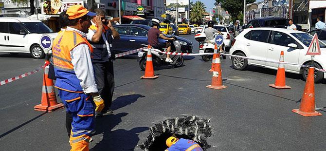 Beşiktaş'ta yol çöktü..