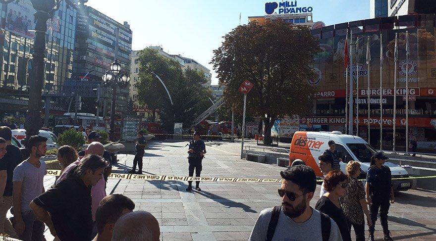 Ankara'nın en yoğun AVM'sinde yangın!